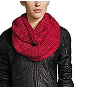 BCBGeneration Loop scarf